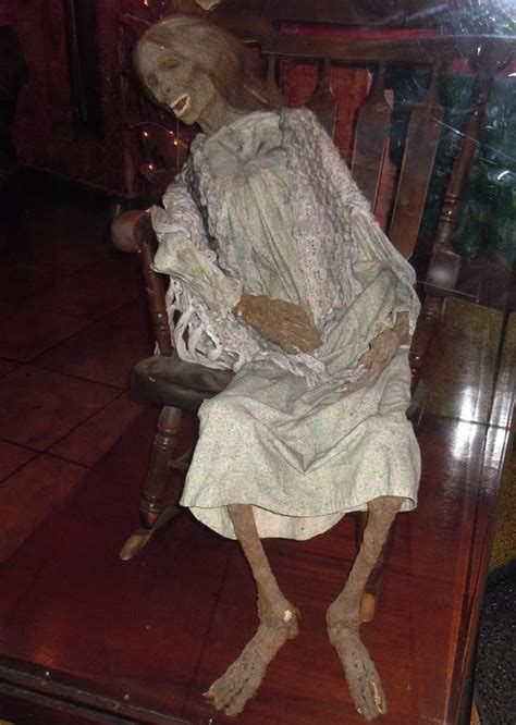 Hollywood Movie Costumes and Props: Norman Bates Mother