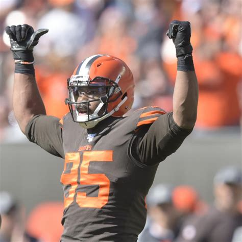 Browns' Myles Garrett Says 'Fan' Asked for Picture