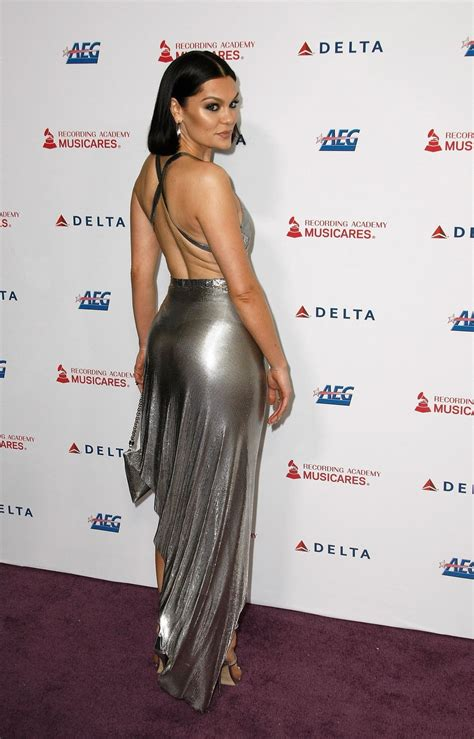 Jessie J Shows Off Her Sexy Legs at the MusiCares Person