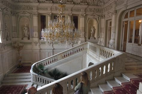 Photo 598-07: Grand staircase on the second floor of